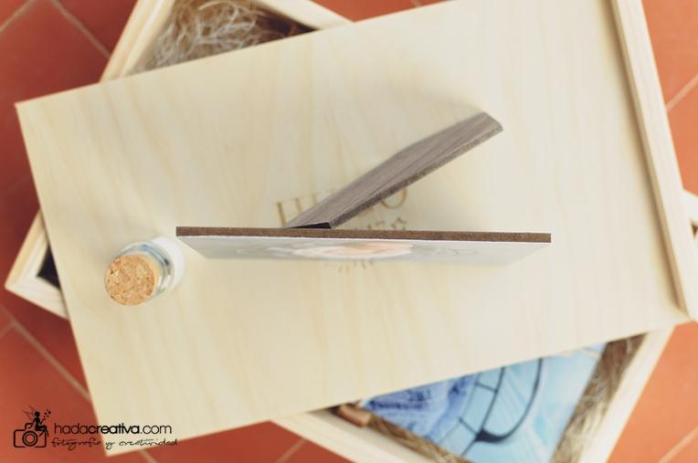Caja de madera con fotos